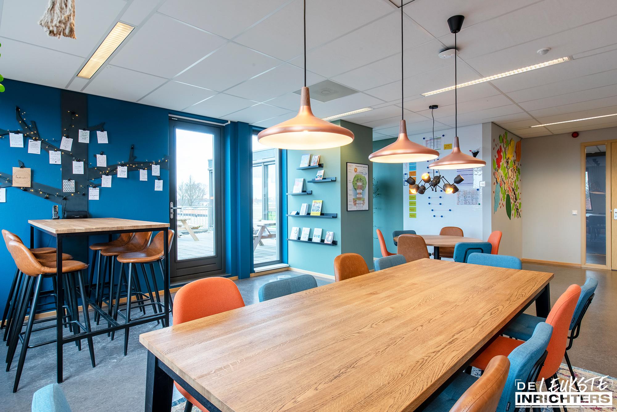 Personeelskamer inrichting De Windwijzer Den Helder hanglampen