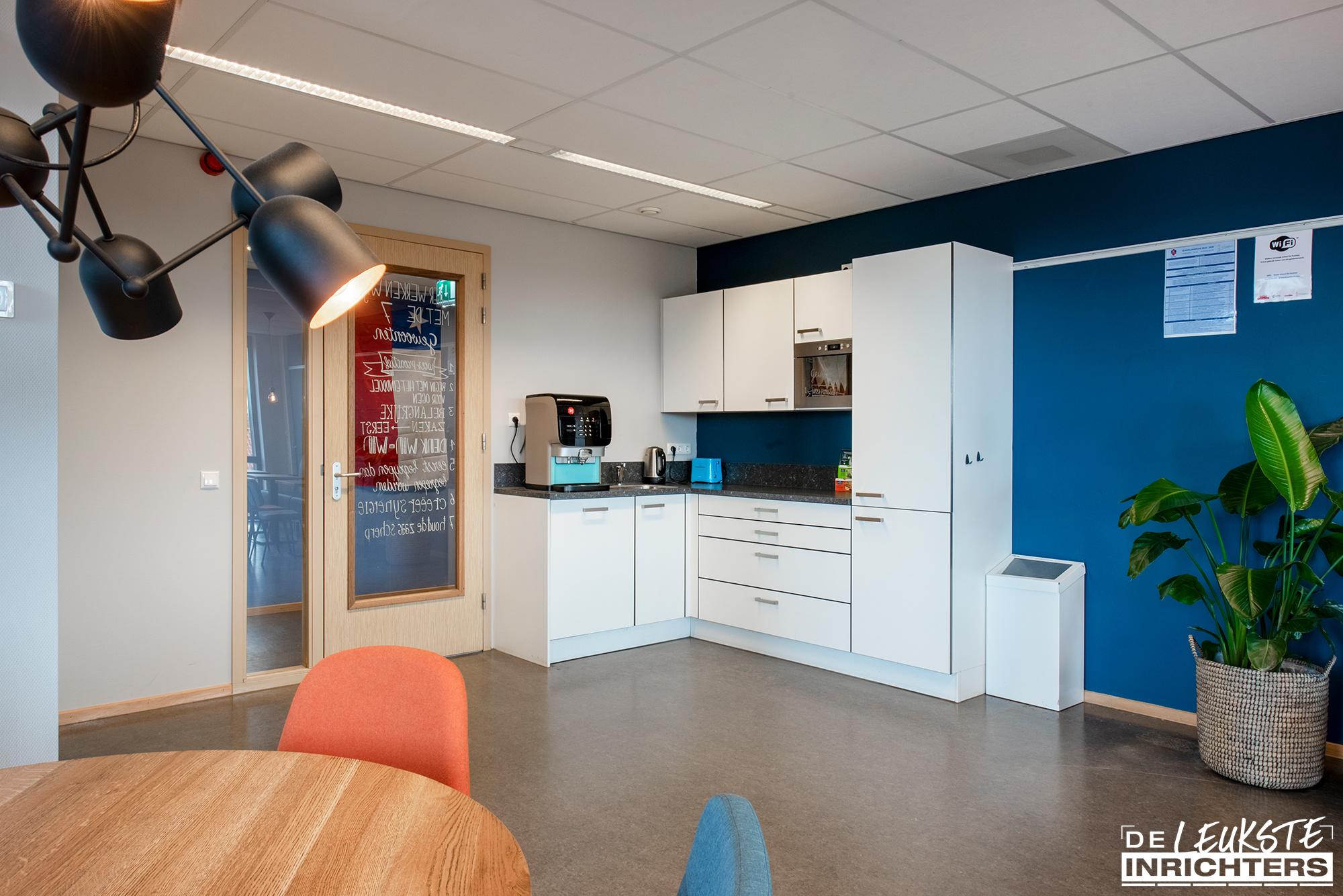 Personeelskamer inrichting De Windwijzer Den Helder keuken