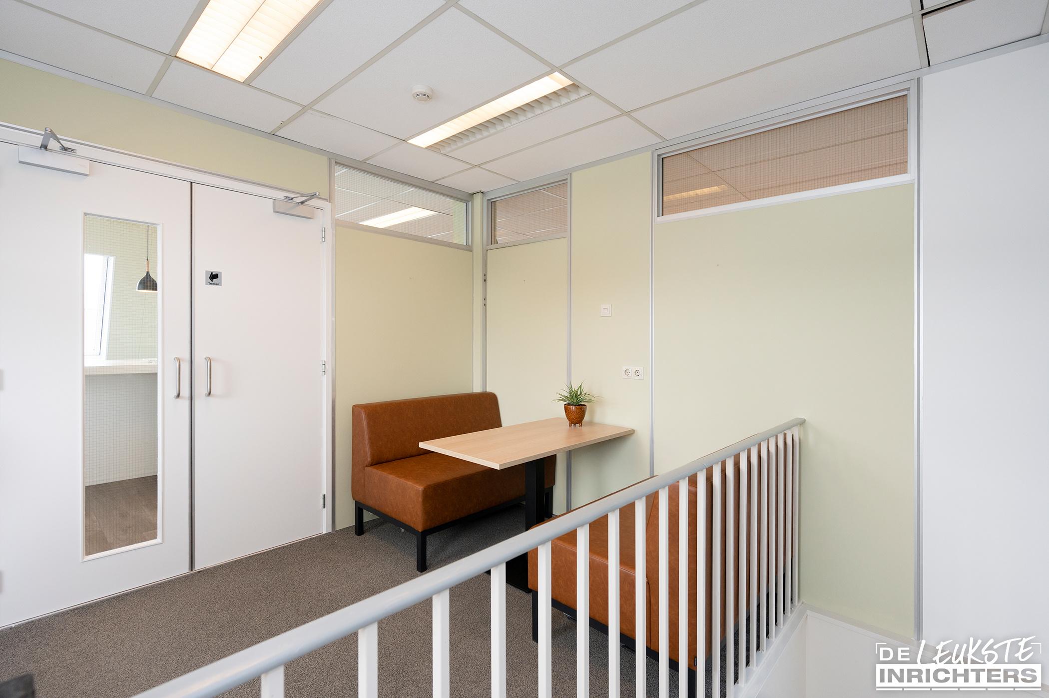 Stichting Logos Leerdam multifunctionele vergaderruimte gangzit1