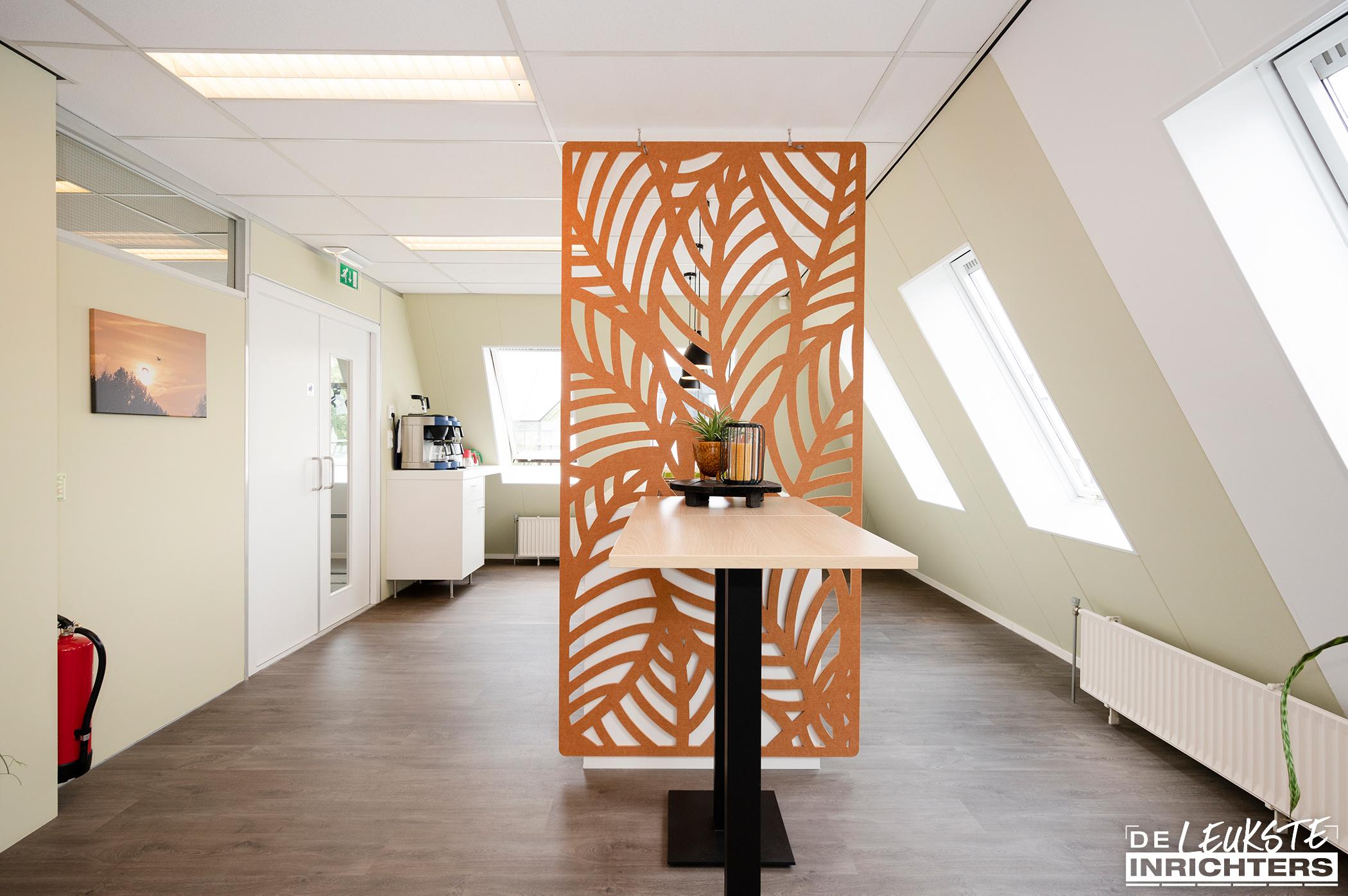 Stichting Logos Leerdam multifunctionele vergaderruimte decoratieve afscheiding PET-vilt